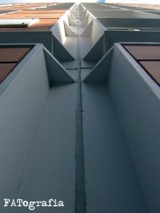 Junta de silicona en estructura metálica